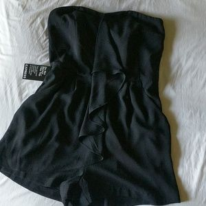 NWT Express strapless black romper with pockets